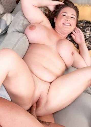 Nikki Smith    Busty BBW fucking and sucking