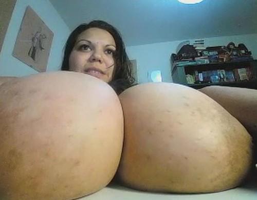 Diablatina – Monster Tits Fattie On A Webcam  5 videos