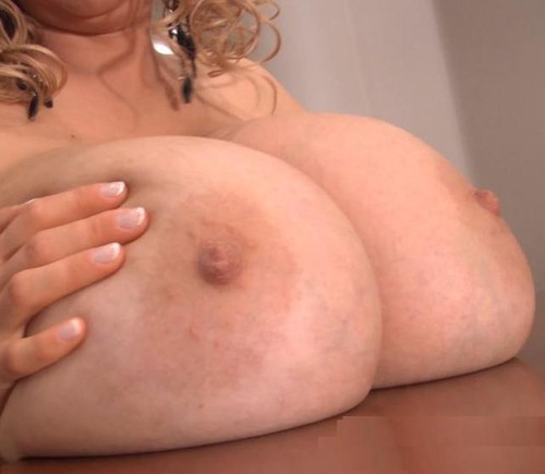 Abbi Secraa – Just Natural Giant Titties Abbi FullHD 1080p