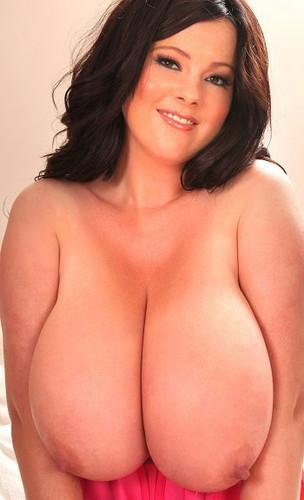 Rachel Aldana – Big Boobs Red Tanktop And White Bra GoPro 1 HD 720p