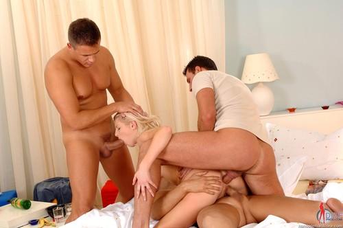 Порно фото групповуха с женой